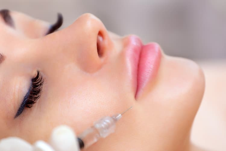 Reasons to Visit a Cosmetic Clinic